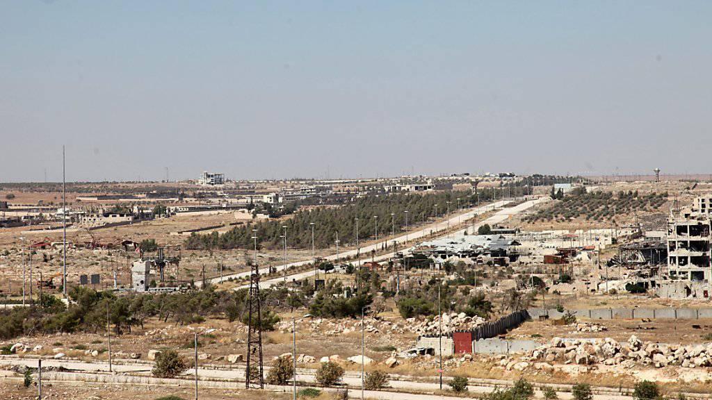 Die Einwohner der Stadt Aleppo leiden unter den Luftangriffen.