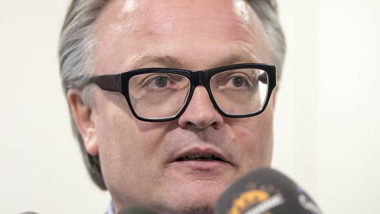 Er muss überraschend in die zweite Runde: Der nicht auf Anhieb in den Stadtrat gewählte Luzerner Stadtpräsident Stefan Roth erlitt am Luzerner Wahlsonntag eine herbe Niederlage.