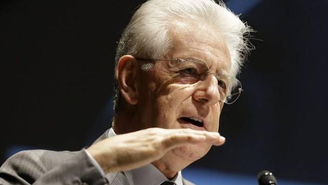Muss Kritik an seinem Sparprogramm hinnehmen: Mario Monti (Archiv)