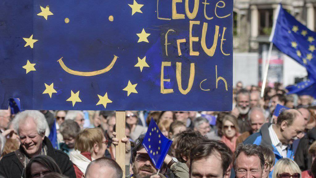 Seit Wochen versammeln sich EU-Anhänger jeweils am Sonntag in zahlreichen europäischen Städten.