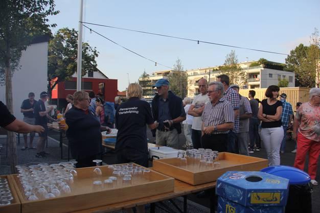 In Hausen findet die Bundesfeier am 31. Juli und zum ersten Mal auf dem neu gestalteten Dorfplatz vor der Mehrzweckhalle statt. Die Feuerwehrvereinigung betreibt die Festwirtschaft.