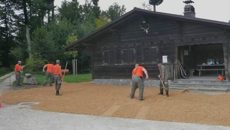 Mit Umgebungsarbeiten beim Waldhaus wurde eine langfristige Investition durch die Regionale Zivilschutzorganisation BBL für die Bürgergemeinde Lohn ausgeführt.