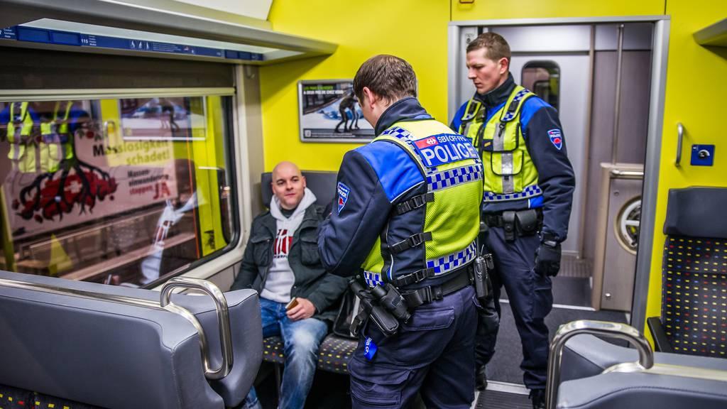 Die SBB-Transportpolizei begleitet keine FCL-Fanzüge mehr