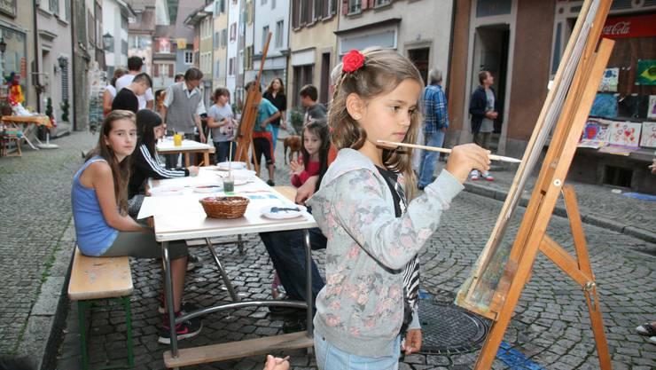 Die jüngsten Besucher der Kulturnacht konnten in der Marktgasse Bilder malen