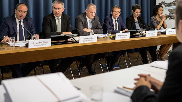 Pressekonferenz der Aargauer Regierung mit dem Gesamtregierungsrat am 17. Mai 2017 im Regierungsratsgebäude in Aarau.