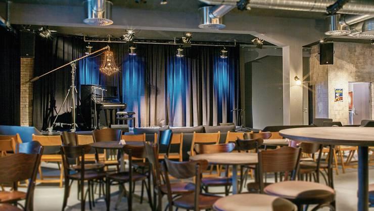 Im Konzertlokal Konservi Seon wird das Konzert von Hendrix Cousins wegen dem Publikumsandrangs gleich doppelt geführt.