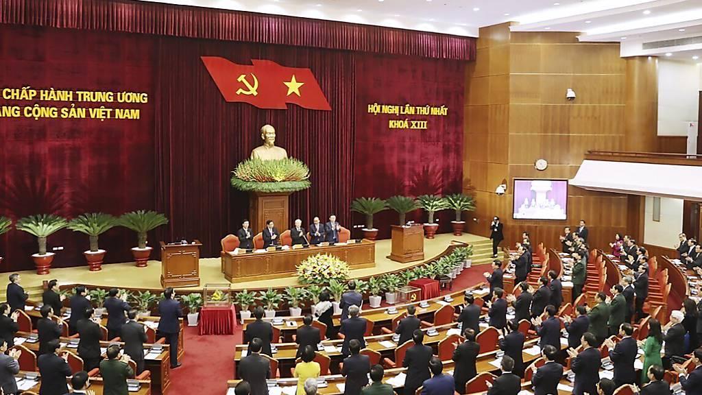 Kommunisten-Parteichef für dritte Amtszeit bestätigt