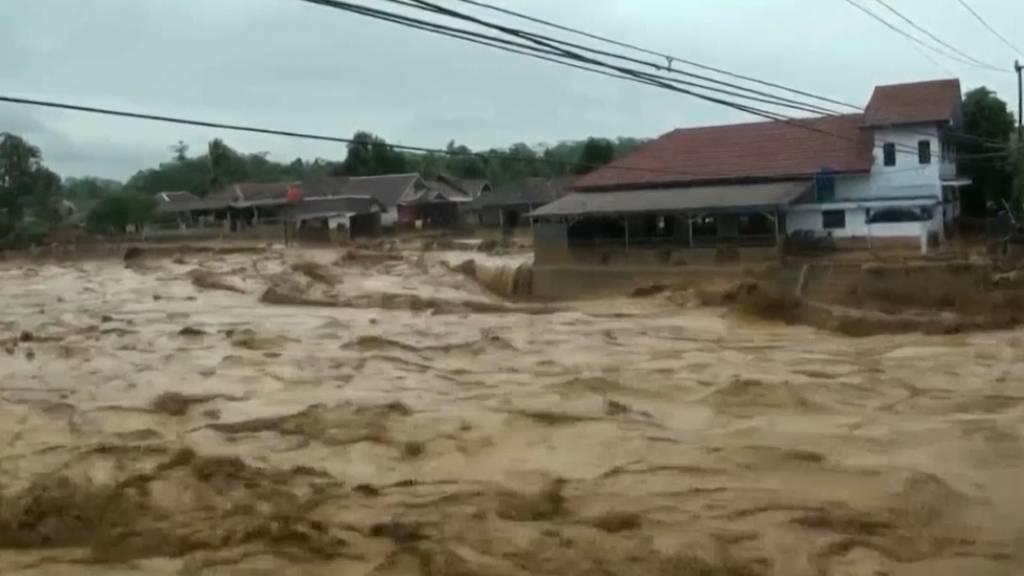 Indonesien: Zahl der Hochwasser-Opfer steigt auf 43