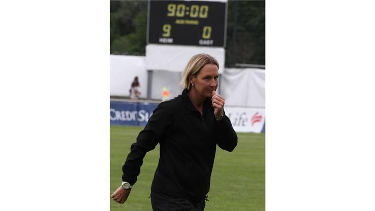 Trainerin Martina Voss war trotz des Kantersieges nicht vollends zufrieden.