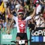 Nino Schurter jubelt in Lenzerheide über seine siebte Goldmedaille im Cross-Country