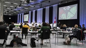 Die Zutrittsregeln sind strikt. In die Messehallen der Bernexpo, wo das Parlament derzeit tagt, kommt längst nicht jeder hinein.