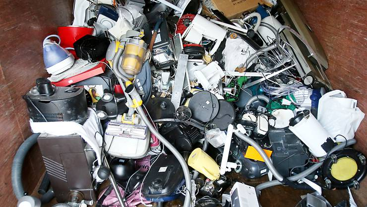 Das Eidgenössische Starkstrominspektorat (Esti) hat im vergangenen Jahr eine Zunahme der Mängel bei Elektrogeräten festgestellt. (Symbolbild)