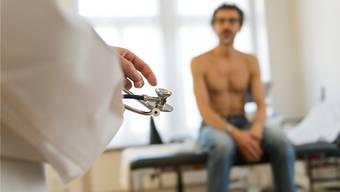 Mit dem Ärztezentrum will die Gemeinde die medizinische Grundversorgung gewährleisten. (Symbolbild)