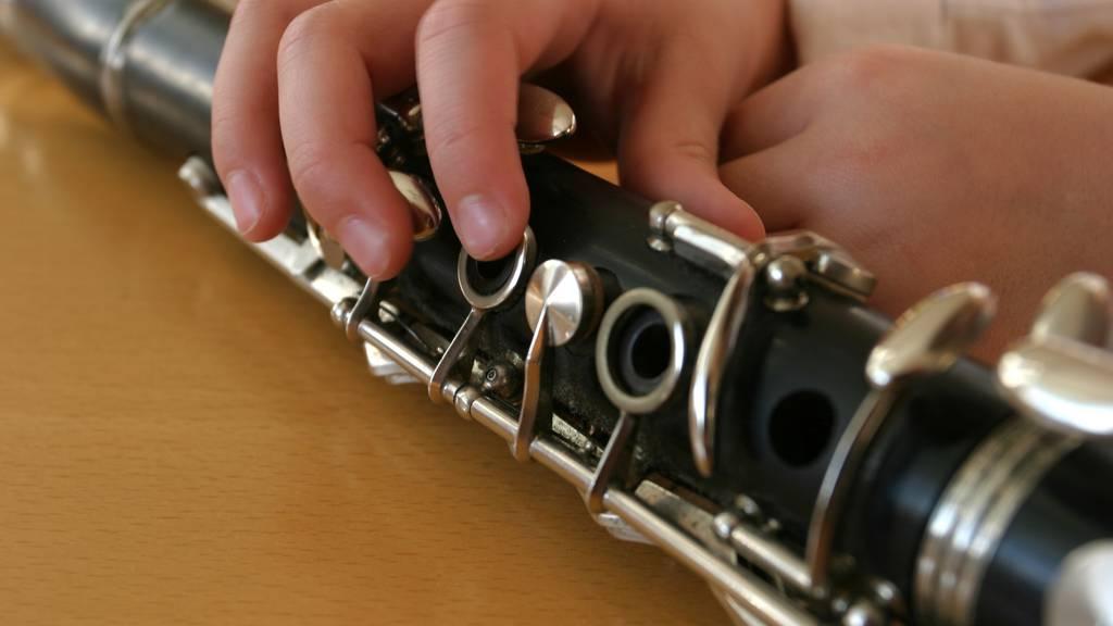 Obligatorischer Blasmusikunterricht: Zwei Schulklassen in Quarantäne