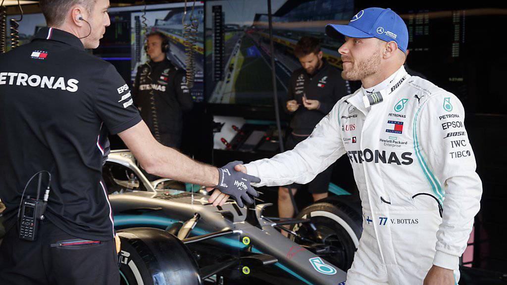 Valtteri Bottas behielt gegen Lewis Hamilton knapp die Oberhand