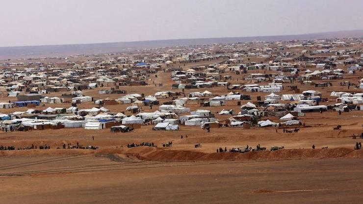 In dem Lager Rukban in der Wüste an der Grenze zu Jordanien leben mehr als 50'000 Flüchtlinge des syrischen Bürgerkriegs. (Archivbild)
