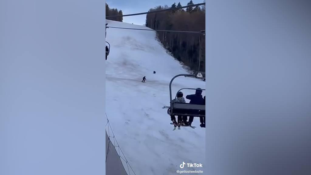 Bär verfolgt Tourist auf Skipiste