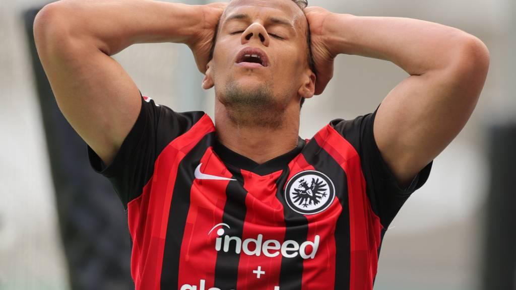 Für die Eintracht Frankfurt und Timothy Chandler könnten es entscheidende Punktverluste sein