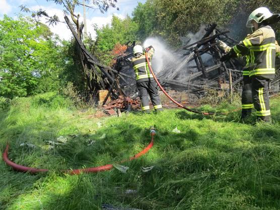 Trotz Einsatz der Feuerwehr war nichts mehr zu retten.