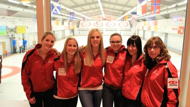 Curling-Weltmeisterin und Coach Mirjam Ott (rechts) konnten das Eis benützen, wann sie wollten