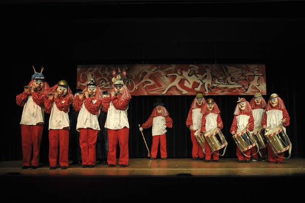 Die Junge Garde der Naarebaschi