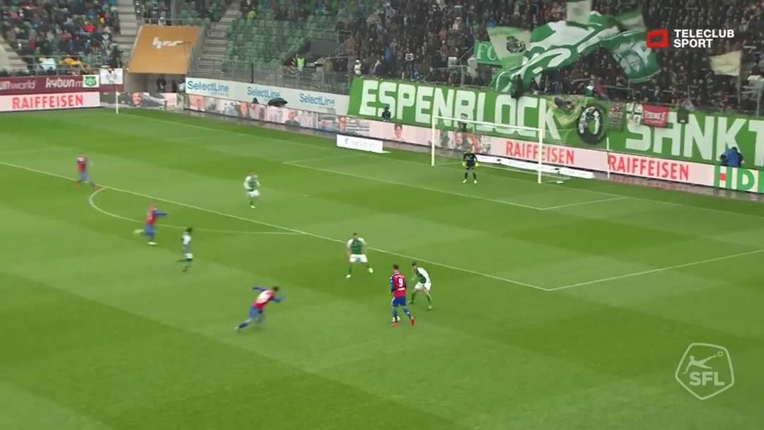 Super League, Saison 2018/19, Runde 31, St. Gallen-FC Basel, Pfostenschuss durch Samuele Campo (FC Basel 1893)
