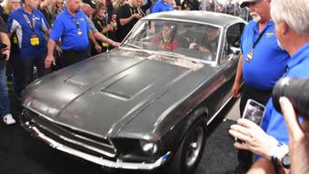 """Der Ford Mustang GT aus dem Film """"Bullitt"""" mit Steve McQueen am Freitag an einer Auktion in Kissimmee, Florida. Er fand für 3,7 Millionen Dollar einen neuen Besitzer."""