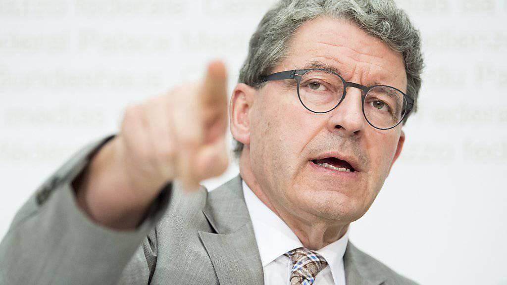 Der Bündner Heinz Brand soll auf den Bock: Die SVP-Bundesratsfraktion hat ihn als zweiten Vizepräsidenten des Nationalrates nominiert. (Archivbild)