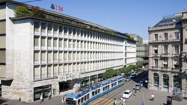 Die Grossbanken Credit Suisse und UBS am Paradeplatz in Zürich (Symbolbild)