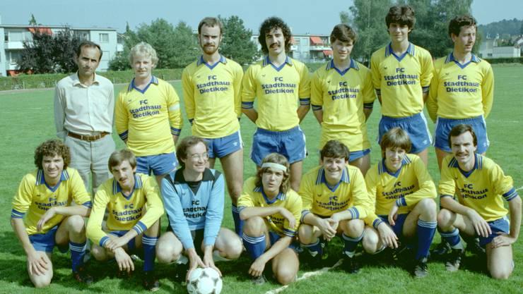 Die Mannschaft 1982. Der blonde junge Mann an zweiter Stelle in der hinteren Reihe ist der heutige Präsident Paul Brunner