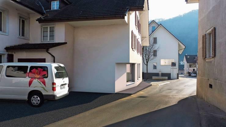 Gleich mehrere Mobilitätsprobleme werden behoben: Bald ist die engste Stelle durch das Mümliswiler Dorf entschärft. Joachim Buser (links) und Adrian Schaad begutachten mit Gemeindepräsident Kurt Bloch das Nadelöhr, welches entschärft wird.