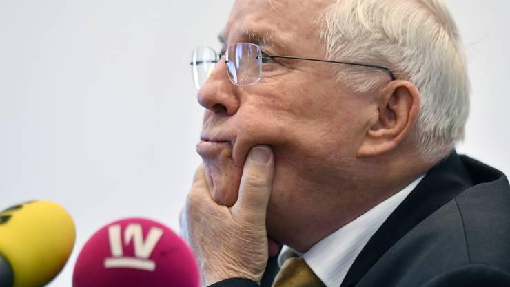Christoph Blocher erzählt über die SVP. Doch sagt er etwas?
