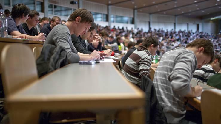 Teilzeitstudierende bewerten ihre Studiumsbedingungen als durchschnittlich. (Symbolbild)