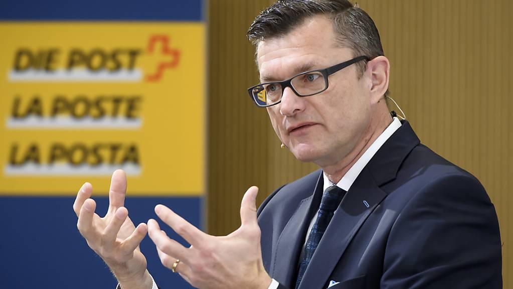 Postfinance-Chef Hansruedi Köng kann ein besseres Betriebsergebnis im 2019 verkündent. (Archiv)
