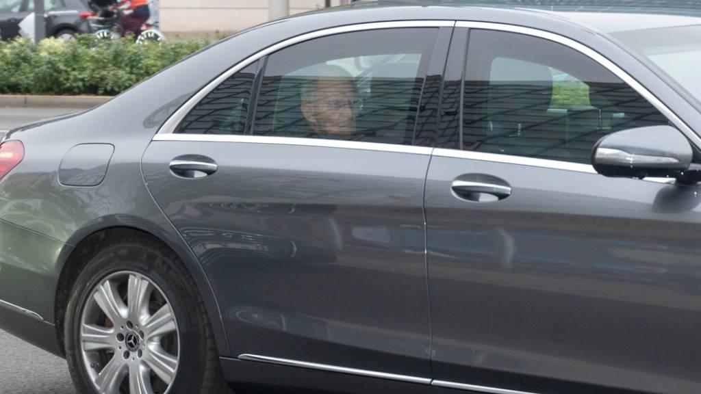 Bundestagspräsident Wolfgang Schäuble auf dem Weg zur Gremiensitzungen der CDU im Konrad-Adenauer-Haus in Berlin. Foto: Christophe Gateau/dpa