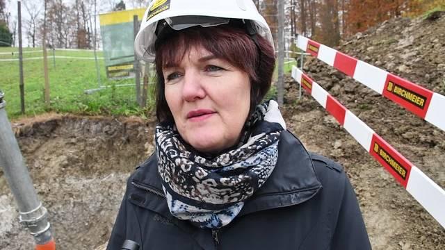 Renate Trösch, Vizeammann von Habsburg, über die Bedeutung des Lochs für die Gemeinde.