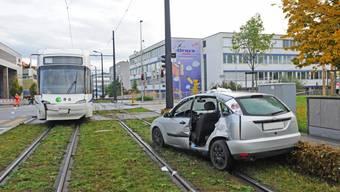 Schon wieder Unfall mit der Glattbahn