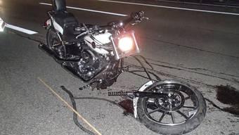 Der Fahrer der Harley Davidson musste schwer verletzt ins Spital gebracht werden.
