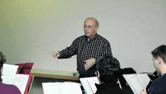 Investition: Bernhard Keller dirigiert auch die Musikausbildung. (khg/Archiv)