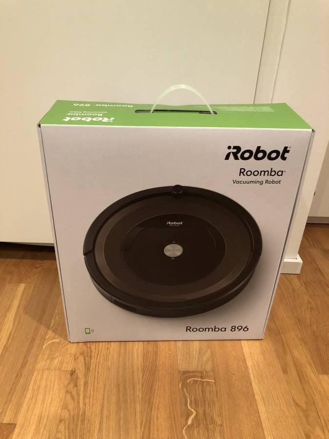 Wir testen einen von vielen möglichen Staubsaugerrobotern, den iRobot Roomba 896 (© Radio Argovia)