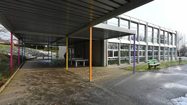 Im Primarschulhaus Steinmatt in Oberbuchsiten hat es keinen Platz für Einquartierung einer zusätzlichen Schulklasse.