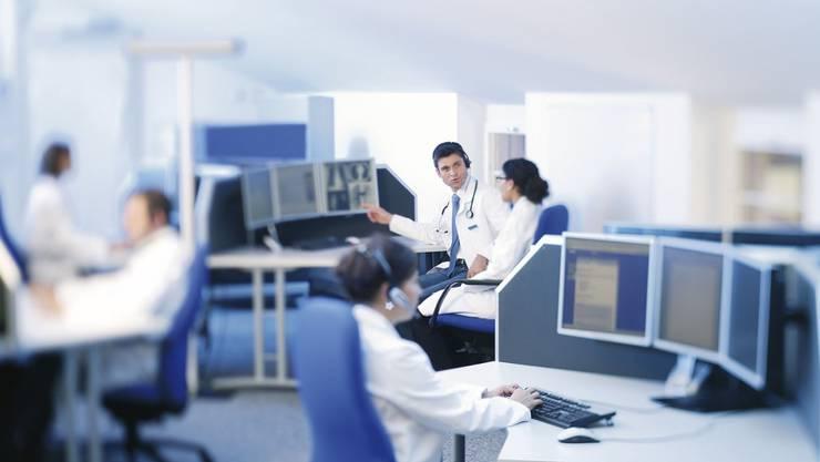Das BAG schlägt eine Erstkonsultation beispielsweise durch telefonische Beratung vor, um das Gesundheitssystem zu entlasten. (Symbolbild)