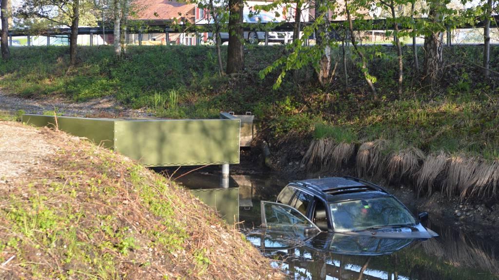 Das Auto des Ungaren ist abgesoffen.