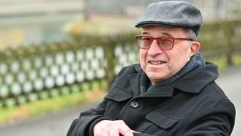David Pearce an der Aare in Olten, seiner zweiten Heimat. Auch über die Stadt hat er schon publiziert.