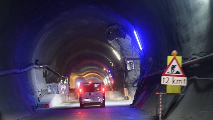 Stau ohne Ende vor dem Tunnel in Richtung Chamonix.