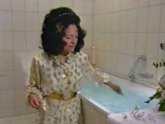Uriella verkaufte «Athrumwasser» zur Heilung von allerlei Krankheiten.