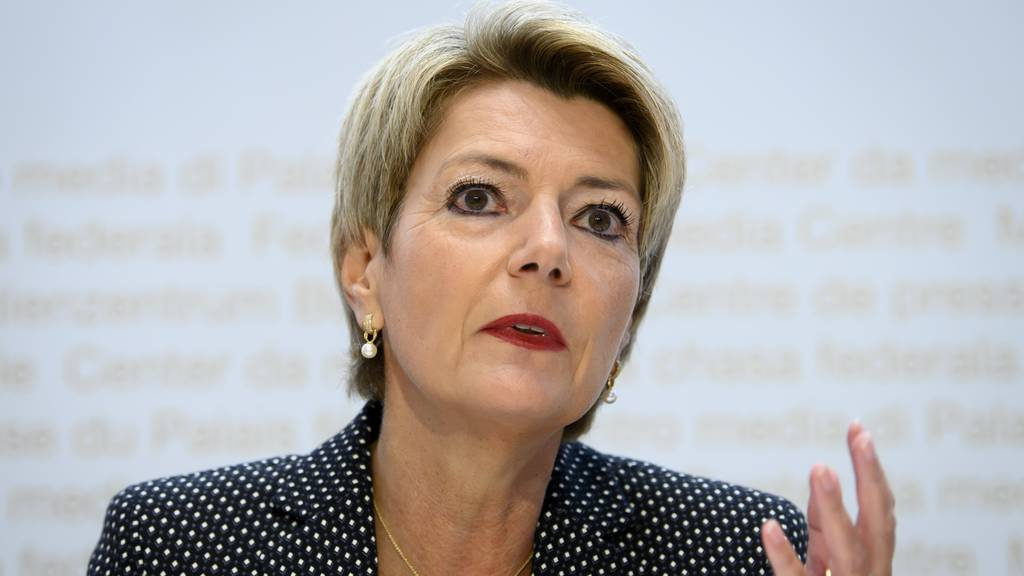 Karin Keller-Sutter spricht über die Konzernverantwortungs-Initiative
