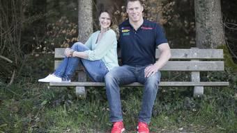Schon bald zu dritt: Schwingerkönig Matthias Sempach mit Freundin Heidi Jenny.