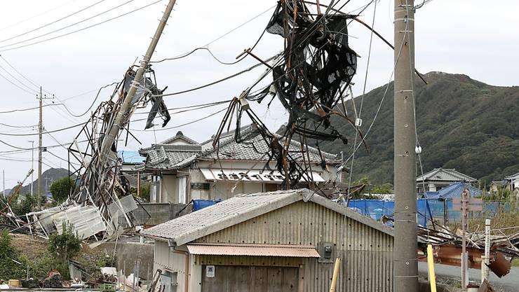 """""""Faxai"""" war am Montag vergangener Woche mit Rekordwindstärken auf die Region Chiba südöstlich von Tokio getroffen und hatte Stromleitungen niedergerissen. (Bild vom 13. September)"""