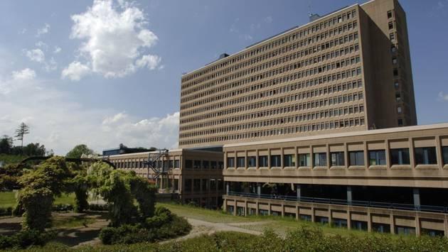 Teures Pflaster: Wer beim Kantonsspital Baden parkiert, muss tief in die Tasche langen. (Archiv)
